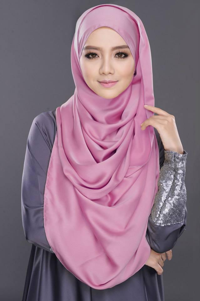 Wanita Cantik Berhijab Wap HP Content 31.jpg