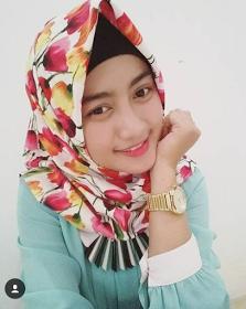 Wanita Cantik Berhijab Wap HP Content 38.png