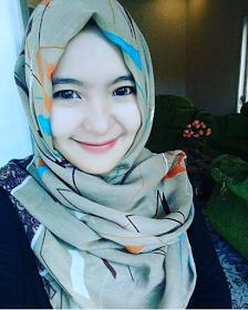 Wanita Cantik Berhijab Wap HP Content 42.png
