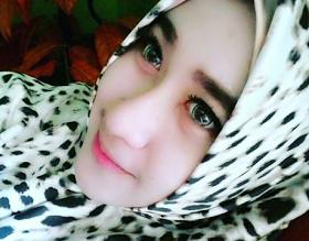Wanita Cantik Berhijab Wap HP Content 43.png