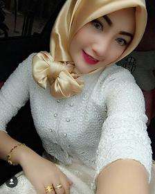 Wanita Cantik Berhijab Wap HP Content 51.png