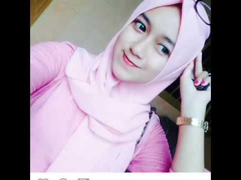 Wanita Cantik Berhijab Wap HP Content 57.jpeg