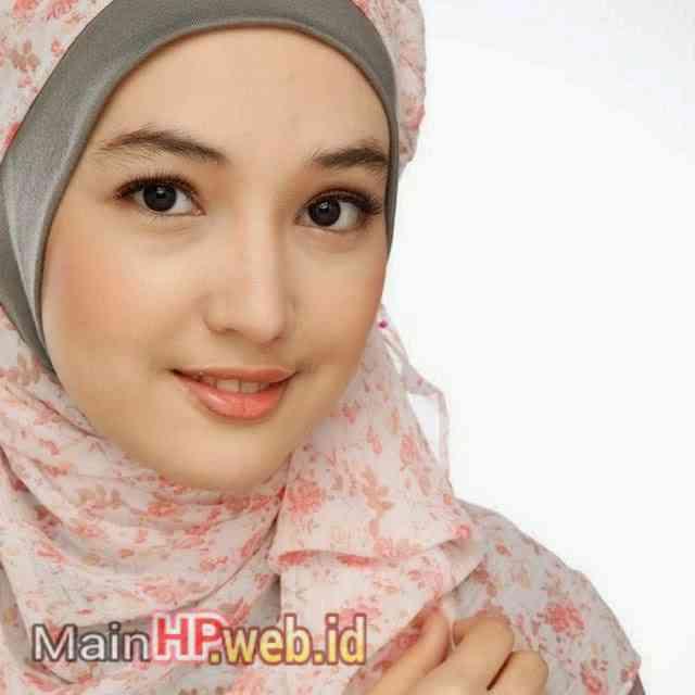 Wanita_Cantik_Berjilbab_MainHP_03.jpg