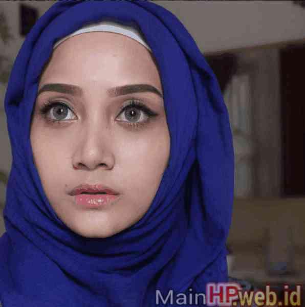 Wanita_Cantik_Berjilbab_MainHP_06.jpg